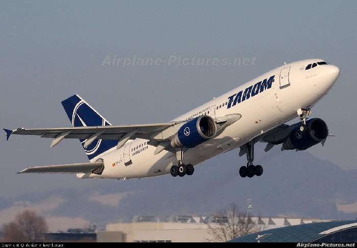 Modelul A310 din flota Tarom, un avion cu tehnologii vechi. Foto: airplane-pictures.net