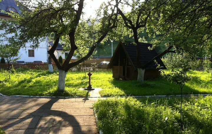 cazare manastirea Putna
