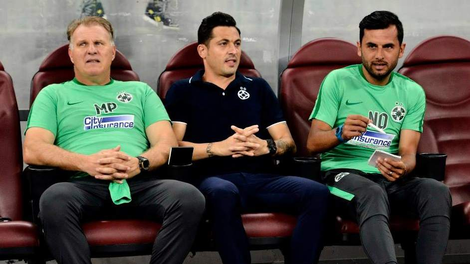 Cui îi pasă cine e antrenorul FCSB? Foto: Fb FCSB