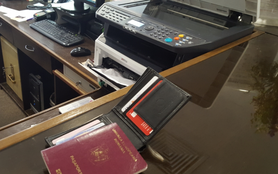 Imprimanta blocata a receptionerei fara experienta