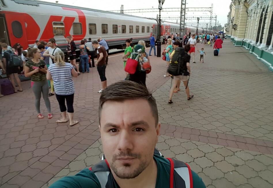 După peste 5000 de kilometri si 3 zile + pe tren, am ajuns la Irkutsk. Totusi, abia mijlocul Rusiei