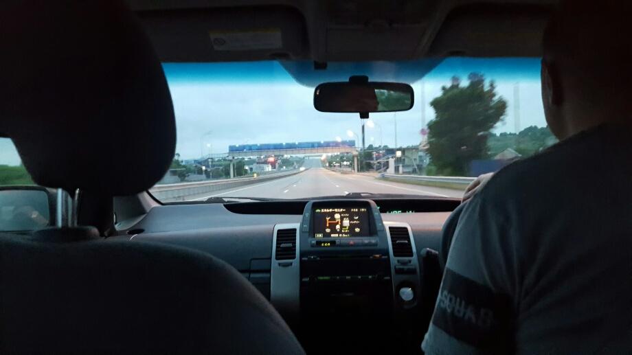 Drumul spre aeroport. Apropo, rusii au mega autostrada si in estul indepartat