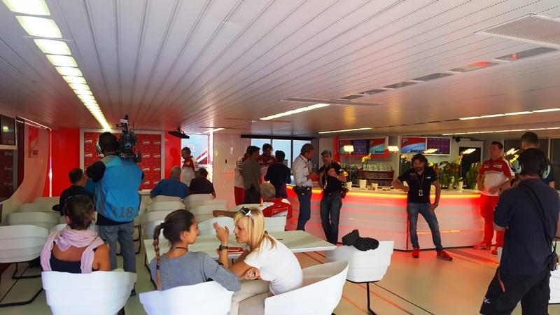 interiorul Ducati Hospitality