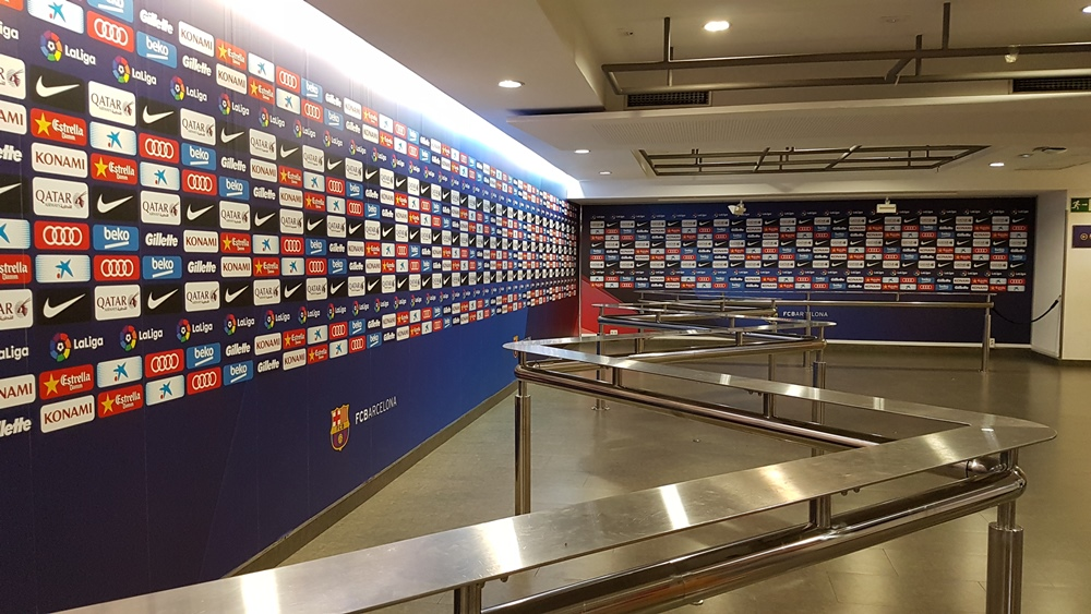 Zona mixtă, acolo unde jucătorii vorbesc cu presa, deja însemnată cu logo-ul Gillette