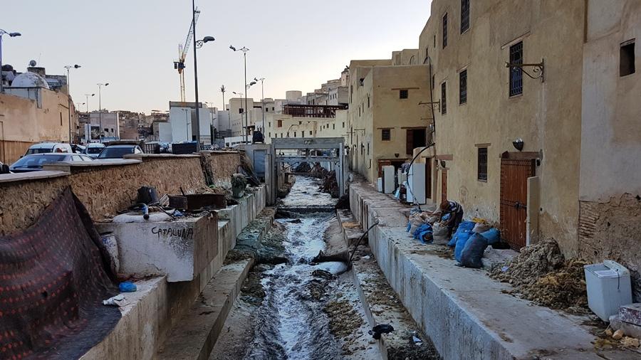 Râul Fes. Locul în care se varsă dejecțiile locuitorilor, plus sursa de apă pentru spălatul pieilor