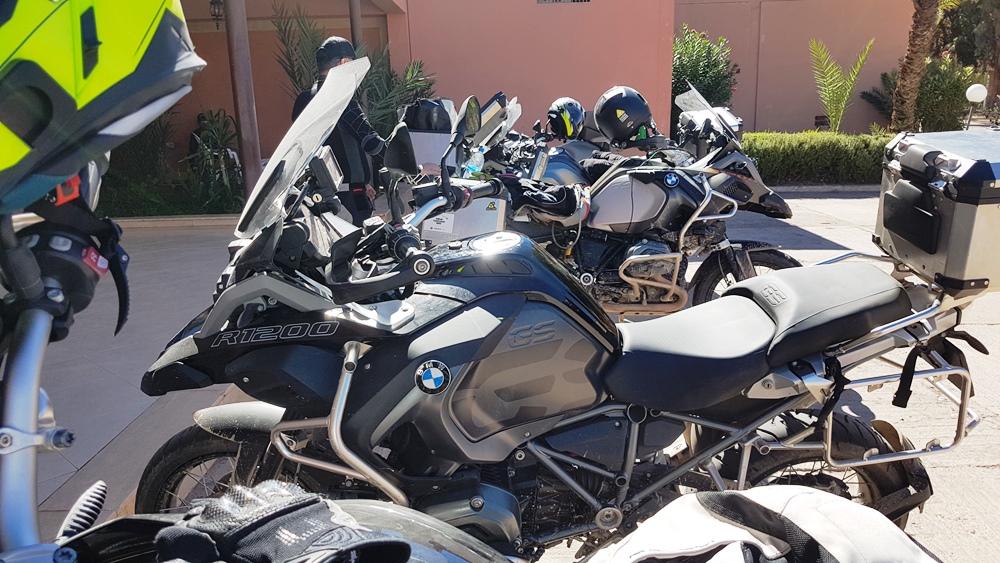 Motocicletele, gata de plecarea spre Marrakesh